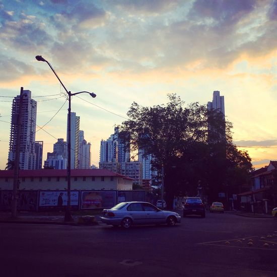 Waking up in Panama Panamá Panama City Transportation Built Structure Architecture Street City Battle Of The Cities Sunrise Sunrise_sunsets_aroundworld Sunrise_Collection Sunrise Silhouette Clouds And Sky Traveling Travel Photography Travel Destinations The City Light The City Light