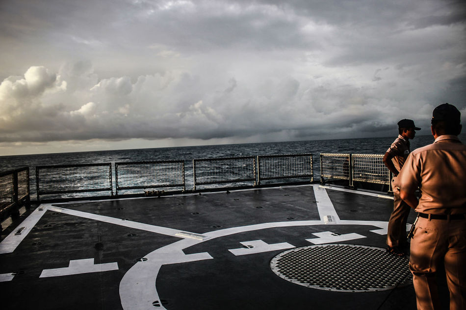 Cloud - Sky Watching Adult People Sky Competition Adults Only Only Men One Person Men One Man Only Storm Cloud Outdoors Day Cityscape Young Adult Battleship Astrology Sign Cruise Ship Nautical Vessel Horizon Over Water Shipping  Shiplife Close-up RoyalThaiNavyNavy on ship