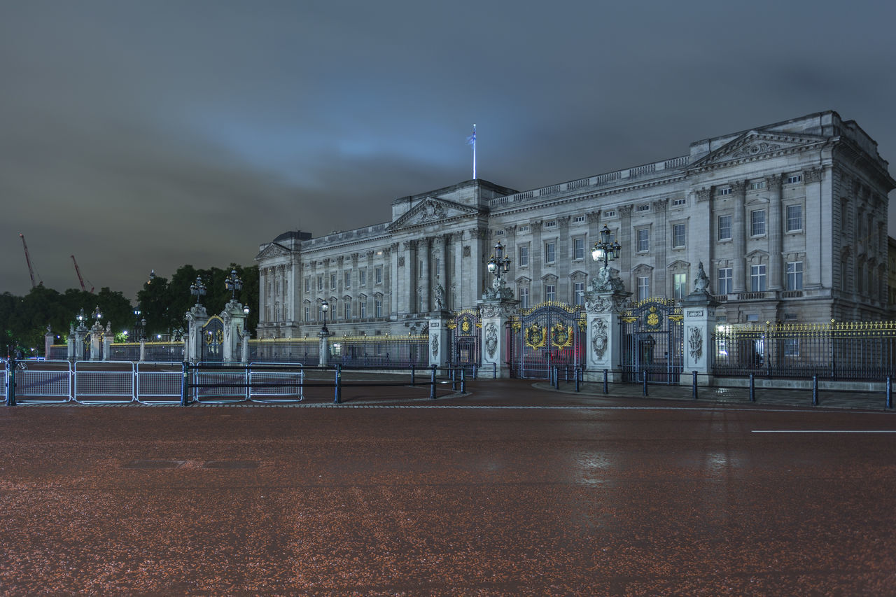 Buckingham Palace at night, Westminster, London, England, United Kingdom Architecture Architecture Britain Buckingham Buckingham Palace Building Exterior Built Structure City City Cloud - Sky England Illuminated Landmark Light Trail Light Trails London Night No People Outdoors Palace Royal Sky United Kingdom Water Westminster