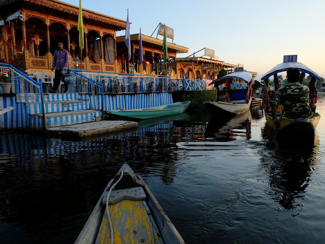 Architecture Boat Building Exterior Built Structure Canal Day Gondola - Traditional Boat Large Group Of People Lifestyles Mode Of Transport Moored Nautical Vessel Outdoors Pedal Boat People Reflection Sky Srinagar Kashmir Transportation Tree Water