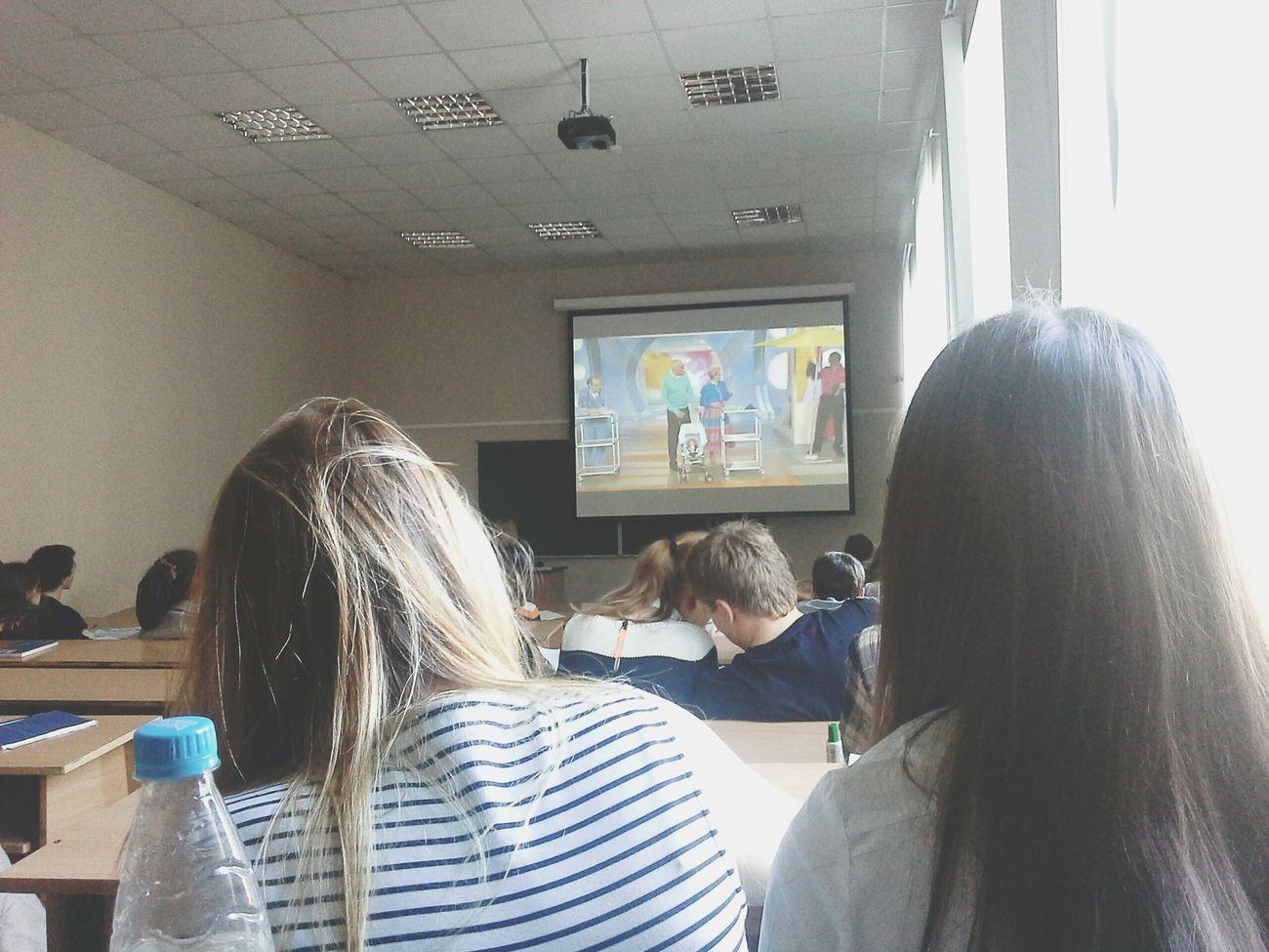 вылезла из планшета, а тут Малышева вещает D: Lecture Lecturetime University People Watching Saint-Petersburg