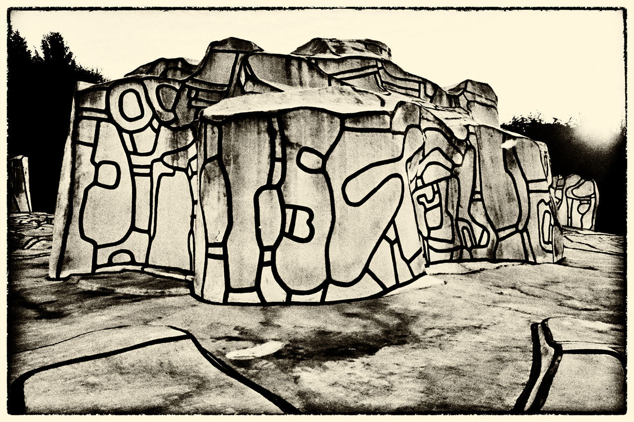 Abstractart ArtWork Black & White Design Dubuffet Outside Photography Sculpture Garden Stones