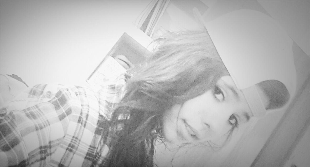 la gente dice k k ago con mi vida .. i yo les digo k vivirla :) Prettygirlswag