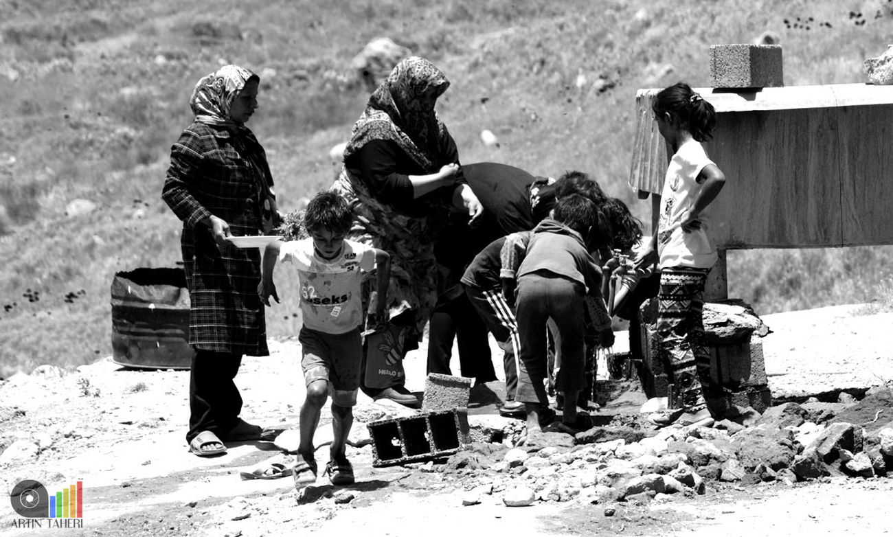 Real People Working People Working Hard Workers Villager Sufferer Blackandwhite Black And White Black & White Blackandwhite Photography Black&white Black And White Collection  روستا زحمتکش خادم سیاه و سفید سیاه_وسفید سیاه_سفید Finding New Frontiers