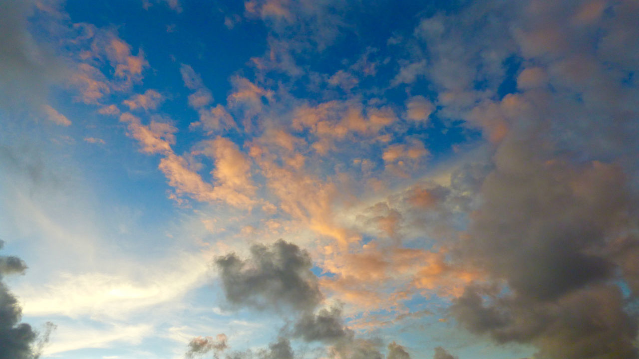 We love our clouds here in Kailua, Hawai'i! Kailua Bay Hawaii Pacific Ocean Kalama Sunrise Pacific Oahu Kailua  Colors Kalawao