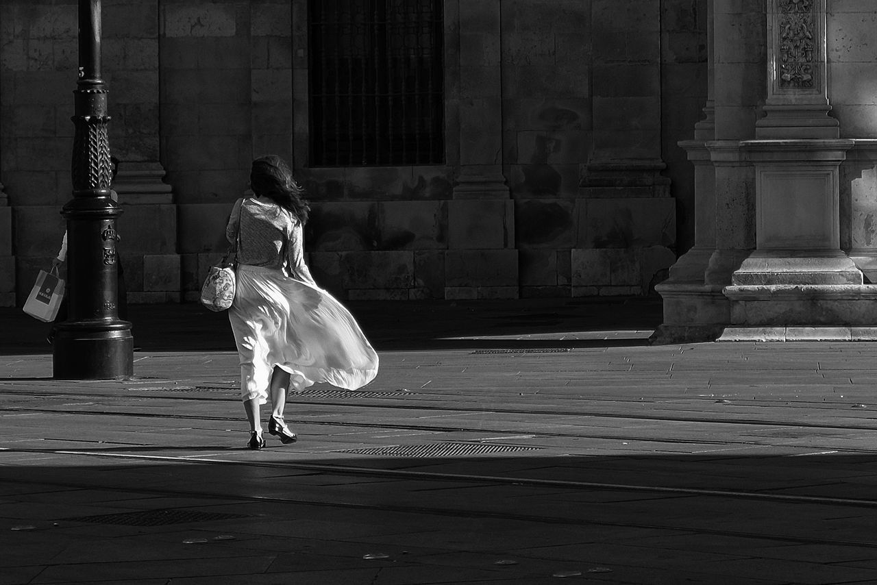 Air Blackandwhite Candid Lights Lights And Shadows Sevilla Streetphotographer Streetphotography