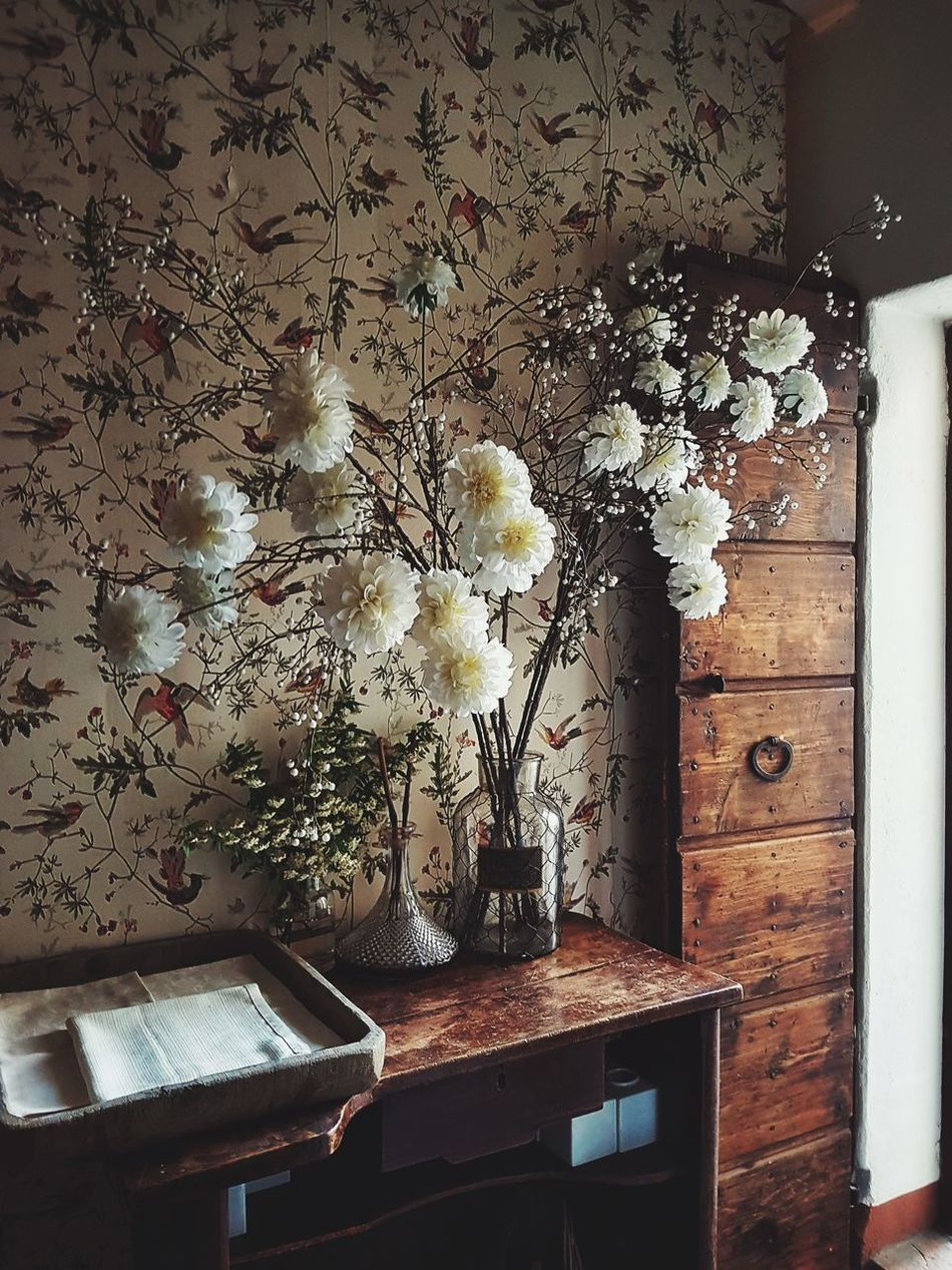 Indoors  Window Home Interior The Secret Spaces Week On Eyeem EyeEmNewHere Shabby Chic Shabby Shabby House Home Sweet Home Springtime Flower Collection Country Life Country House Art Is Everywhere
