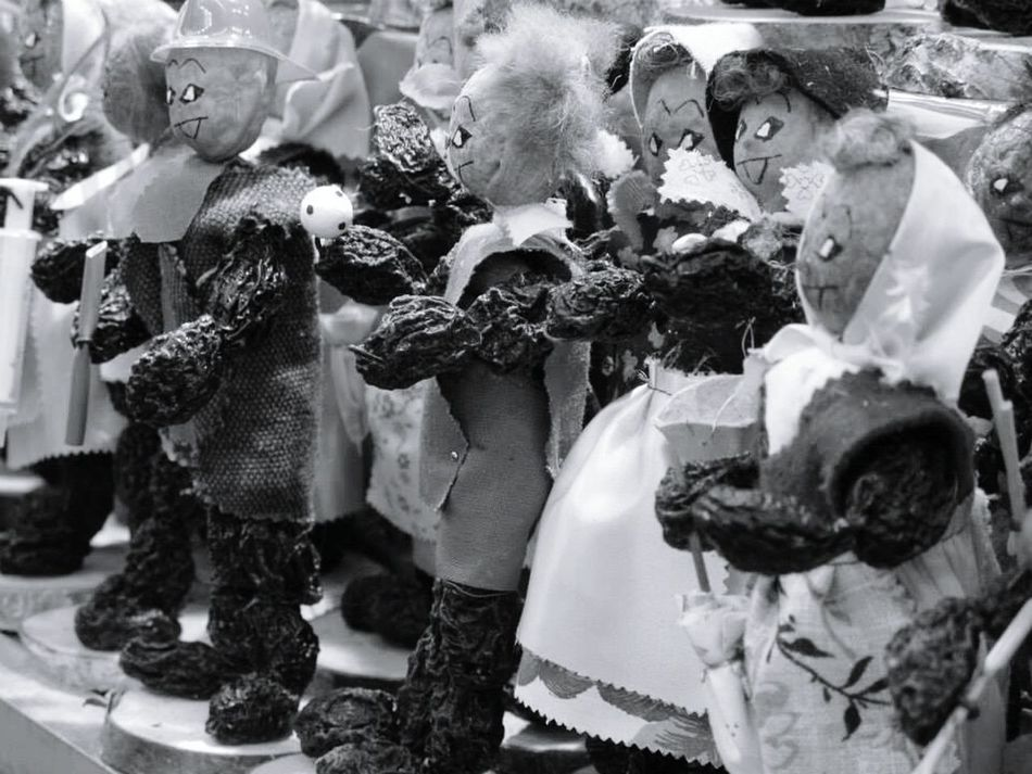 Nuts To You! Nuts People Watching Walking Around Market Finds Black And White Ornaments Cute Up Close Street Photography