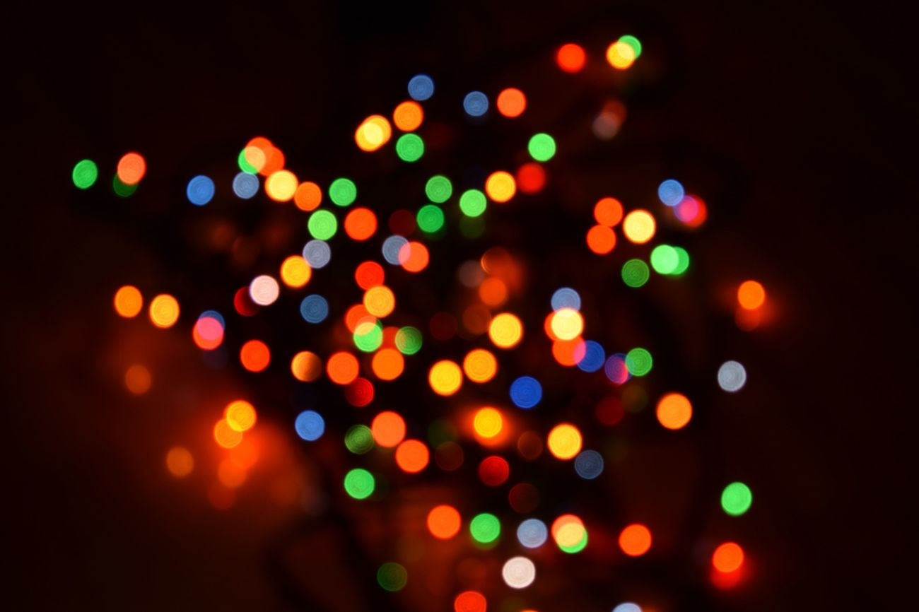 Defocused Illuminated Multi Colored Exploding No People Night Cristmas Time♥ Lights CRISTMAS💙 Christmas Christmas Ornament Christmas Decoration Ready For Christmas! ! NIKON D5300
