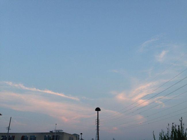 南の空もきれい 空 Sky 夕焼け Sunset 雲 Clouds 電線 Electric Wire 鉄塔 Pylon