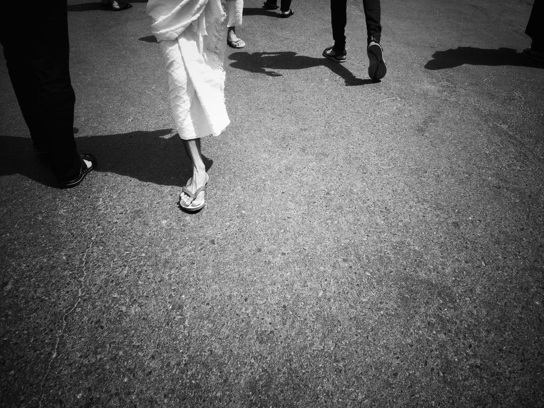 Journey of soul Walking Human Body Part Islamiclife Blackandwhite Street Life Journey Of Souls Journey Of Life Alharam MeccaStreet Mecca Saudi Arabia Mecca Al-mukarramah Street PhotographyMakkah Al Mukaramah Travelphotography Umrah Religion Spirituality Black And White Photography People On The Street Traveling The World Catch The Moment Man Wearing Sandals Mobilephotography Xiaomimi5