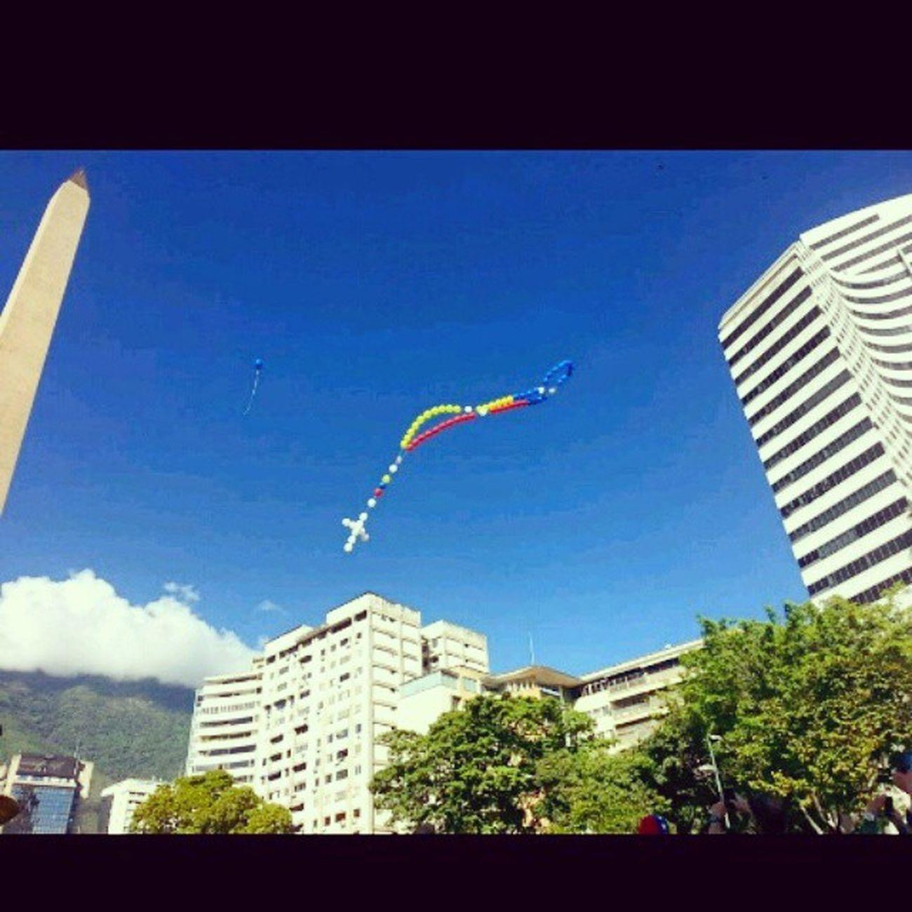LaImagenLoGRITA Libertad Venezuela God Sos Sos Caracas Tricolor DIOSESGRANDE Paz NO DESCANSEMOS.HASTA TENER ESA HERMOSAVENEZUELA QUE EN ALGUN.MOMENTO TUVIMOS, Luchar POR LO QUE QUEREMOS CUESTE LO QUE CUESTE ALGO Y PENSAR QUE TUS HIJOS NO TIENEN PORQUE PASAR NI.VIVIR LO QUE SE VIVE EN ESTOS MO