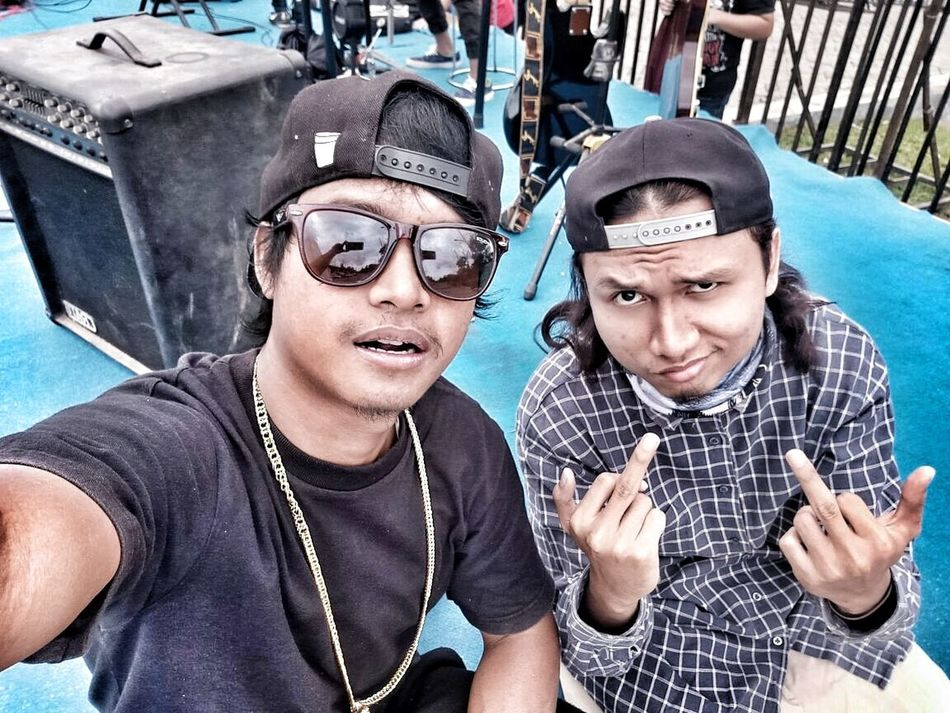 selfie before doing SHOW, 🙌😁, started from the bottom HipHop Boys Selfie Outdoors DJing MIB