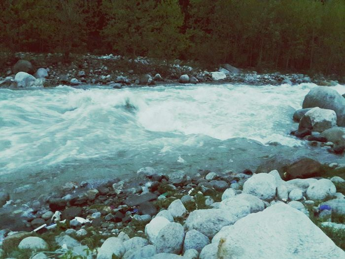Flow like a RiveR@... In Manali, India :)