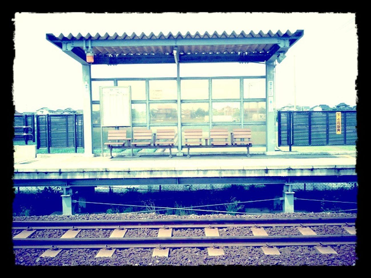 たまには乗ります。 鬼太郎列車 を 駅 にて待つ。 Life Like4like
