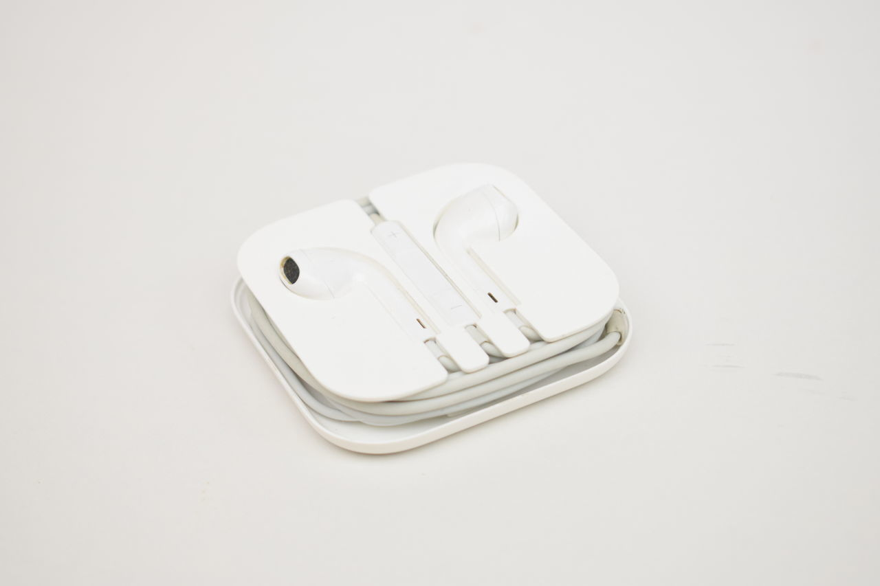 High Key Photography Earpods Apple White On White