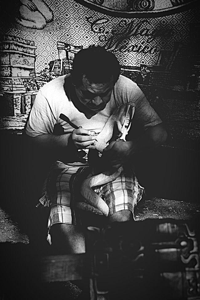 Mexico On The Road Hello World Man At Work Enjoying Life Chichen Itza Wood