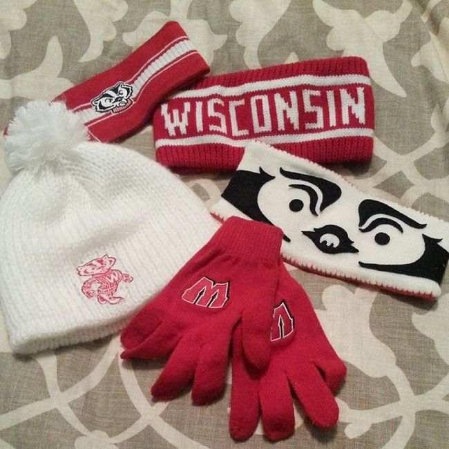 Off to dinner and reppin' my alumni basketball hometeam! Yes,I graduated from UW-MILWAUKEE U.S system and I rep my Badgers and love Bucky. We all know Panthers sukk and we never had a football team in MILWAUKEE! Forthehaters Gobucky Satisfied  Wisconsin uwm almamater graduate