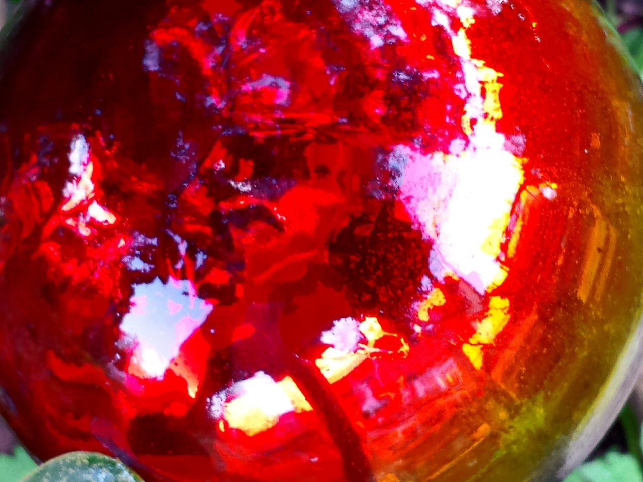 Gartenkugel Glaskugel Red Mirroring Spiegelung In Glaskugel Red Album Red Collection Stained Glass Globe Garden Globe Close-up Close Up Macro Macro Photography Macro_collection