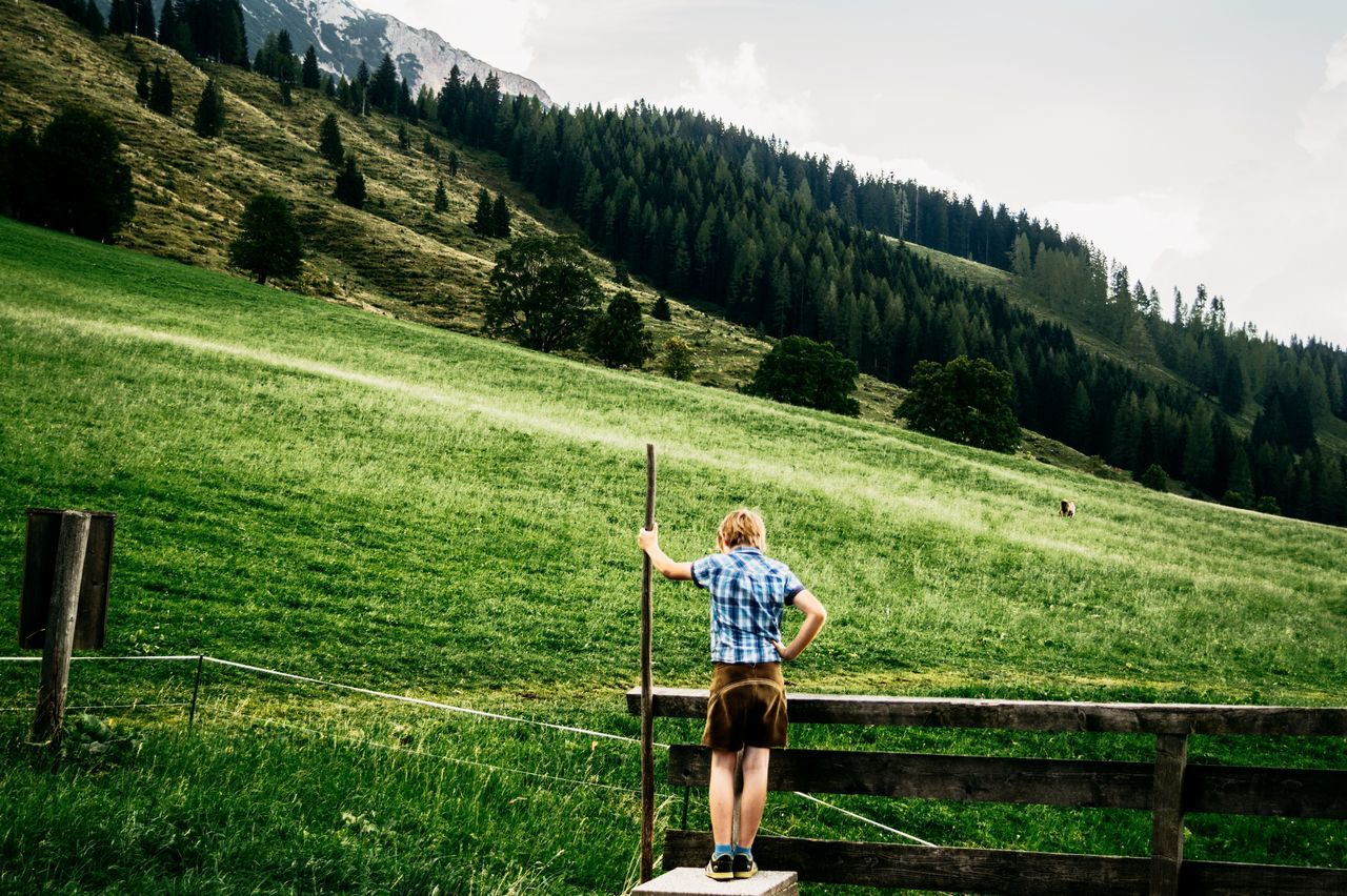 Only Men One Person Outdoors Adult One Man Only Green Color Full Length People Casual Clothing Grass Day Adults Only Nature Sport Growth Standing The Week Of Eyeem Beauty In Nature Tree Green Color Freshness Sky Tree Sportsman Beauty In Nature