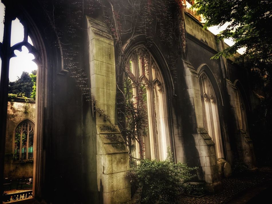 St Dunstan in the Rast ruins external walls ❤ History Architecture Arch No People Day Outdoors