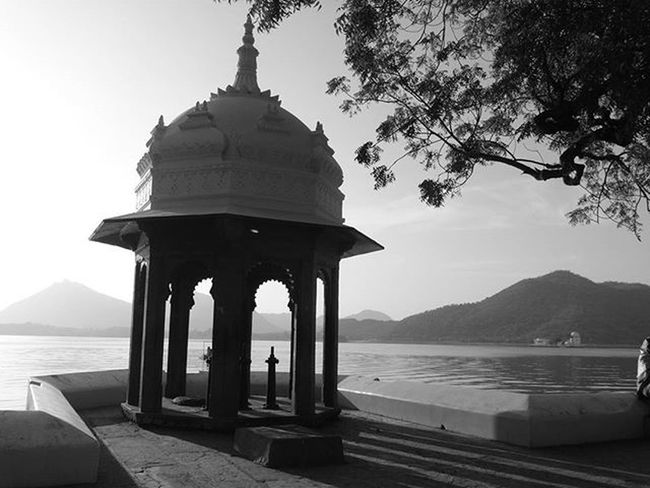 Nothing relaxes me more , than to sit down aside and click some MoMenTs...... Ig_official_clicks BnWClicks Planet_BnW Black_n_white Fatehsagar Corner SixtySecondsOfLOVE Udaipurities Sweetudaipur Unseenudaipur Everyday_India ‎Igers_of_India‬ Indianshutterbugs India_in_black_n_white