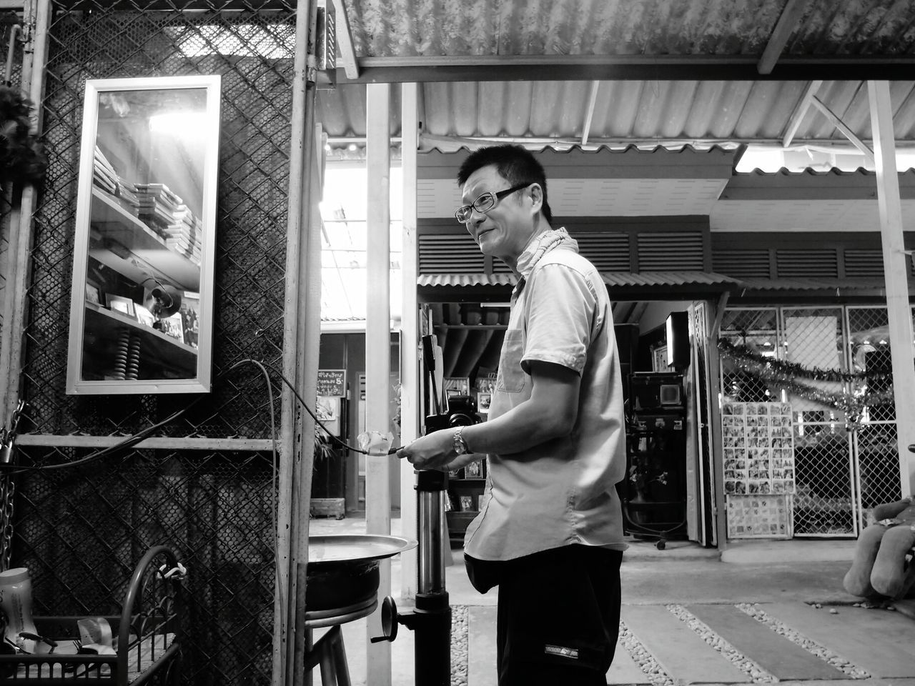 Good humour photographer at Kho kred market Phographer Good Humour Market Eyeemphotography Eyeem Black & White Eyeem Market