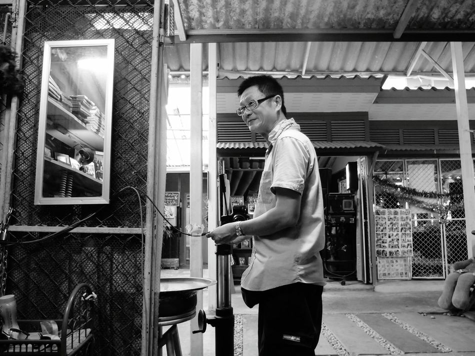Good humour photographer at Kho kred market Phographer Good Humour Market Eyeemphotography Eyeem Black & White Eyeem Market