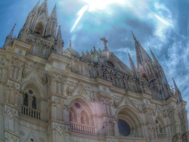 Religion Spirituality Architecture Church Low Angle View TourismSpirituality Famous Place Day Arch Outdoors Gothic Style Cathedral Fish Eye Hdr_pics Religion Architecture Place Of Worship Church Building Exterior Built Structure Cathedral Low Angle View Sunbeam Gothic Style