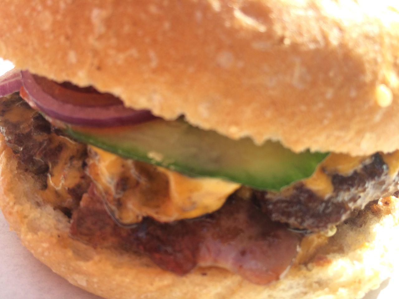 Damn good burger!!! Burger Food Foodporn Food Porn