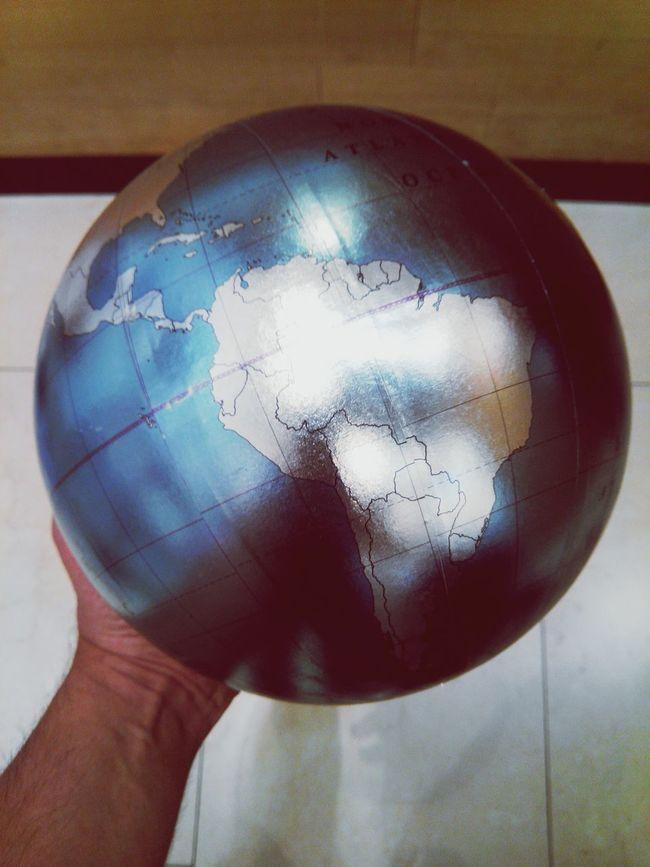 Globe Global Photographer-Collection Globos Globetrotter Global Warming Globo Earth Earthporn EarthCaptures Earthphoto America America Latina Latin America Latinoamerica Latin LatinAmerica Globe In A Hand Hand Holding A Globe Holding A Globe