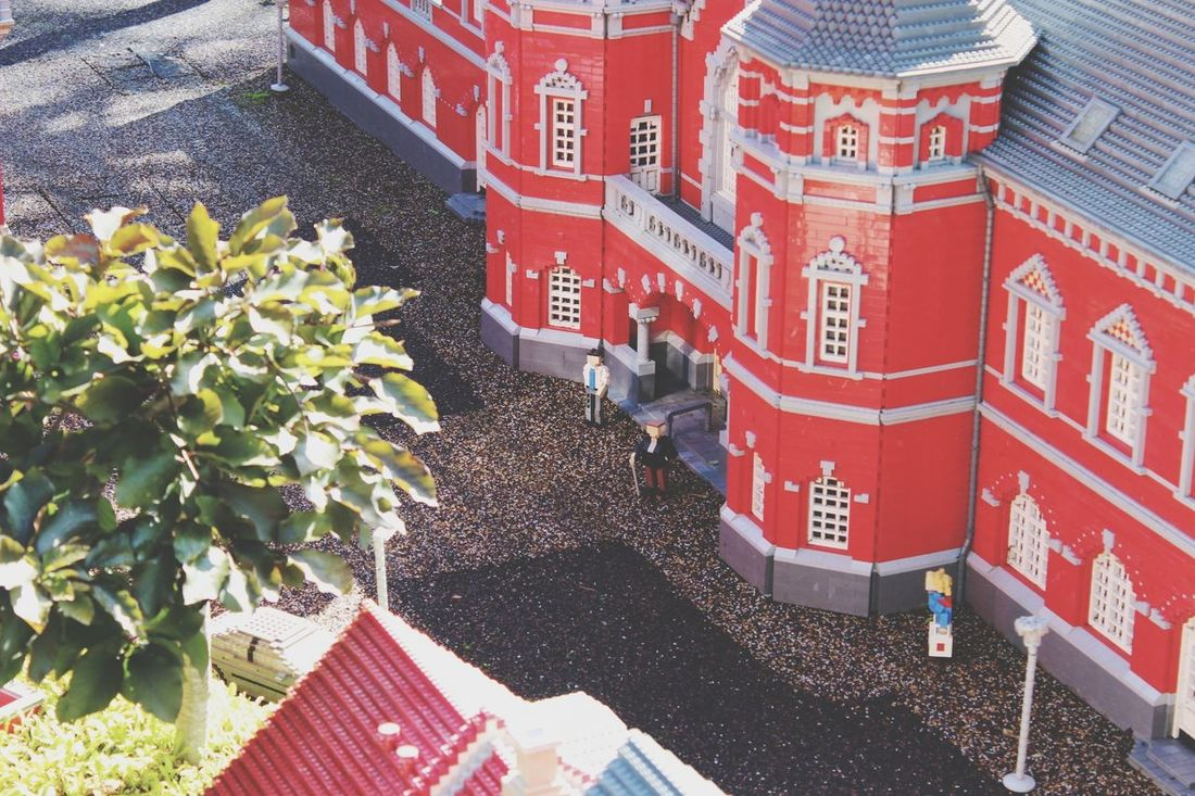 Red Outdoors Day Architecture No People Building Exterior Nature City Legopark Politics And Government LEGO Legophotography Freshness Gebaut Nachbau Travel Destinations Architecture Nature Water Sunlight Shadow High Angle View Fragility Flower Beauty In Nature