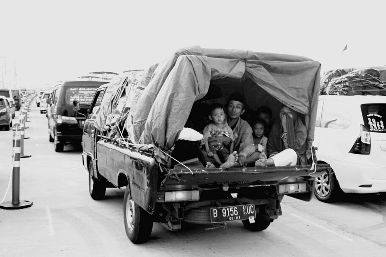 Family homecoming on ramadhan 2017 Transportation Human Interest Idul Fitri Moslem Indonesia_allshots SonyAlpha6000 Mirroless Indonesia_photography Sonyalpha Ramadhan INDONESIA Ramadhan2017 Humaninterestphotography Togetherness Sony A6000 People Religion BW_photography Homecoming Traffic EyeEm Selects Transportation Bw_photooftheday Bwoftheday