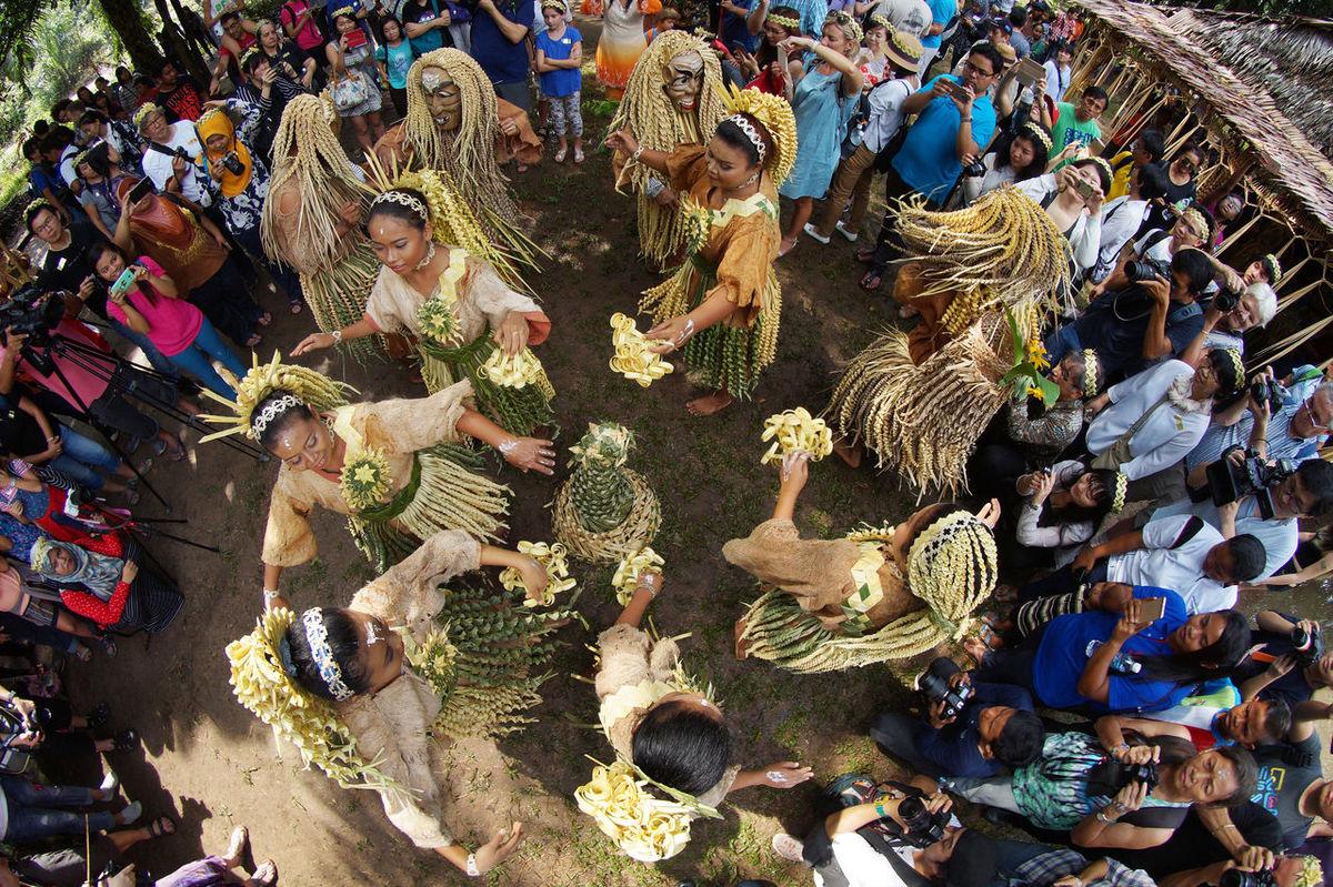 Tourists enjoy performance of Mah Meri Tribe dance during 'Moyang Day' Dance Day Festival Mahmeri Moyang Day Original People Outdoors People Ratual Traditional Traditional Dance Tribe