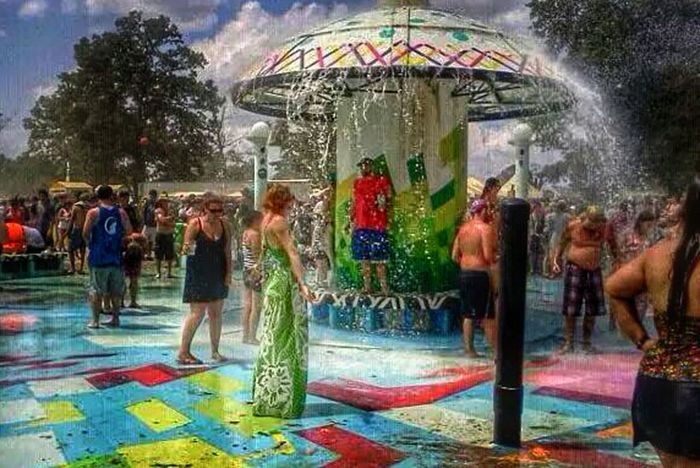 5 months pregnant at bonnaroo & loving life ❤ Music Festival Moments By Fltr Magazine Bonnaroo The Moment - 2014 EyeEm Awards People