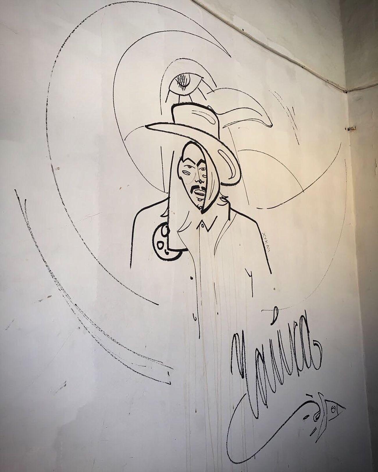 Low Angle View Sketch Creativity Drawing - Art Product Drawing Drawing - Activity High Angle View Streetphotography Grafitti