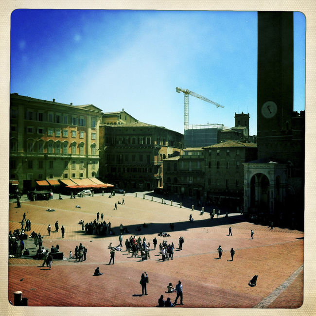 Piazza del Campo, Siena, Tuscany, Italy. Architecture Building Exterior Built Structure City City Life Day Group Of People Italy Large Group Of People Leisure Activity Lifestyles Mixed Age Range Outdoors Outdoors Photograpghy  Piazza Piazza Del Campo Siena Sky Square Tourism Tourist Tourist Attraction  Travel Travel Destinations Tuscany