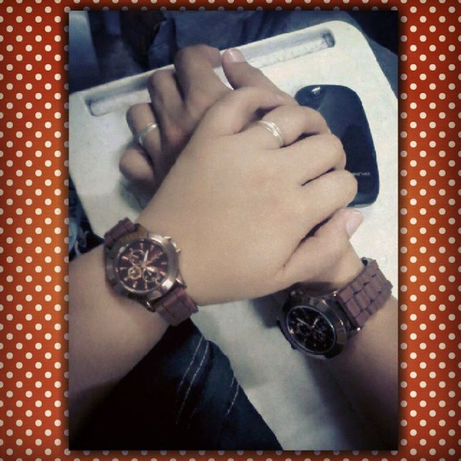 While in class :) I just want to capture a moment :P Couplering CoupleWatch MayHand Hishand