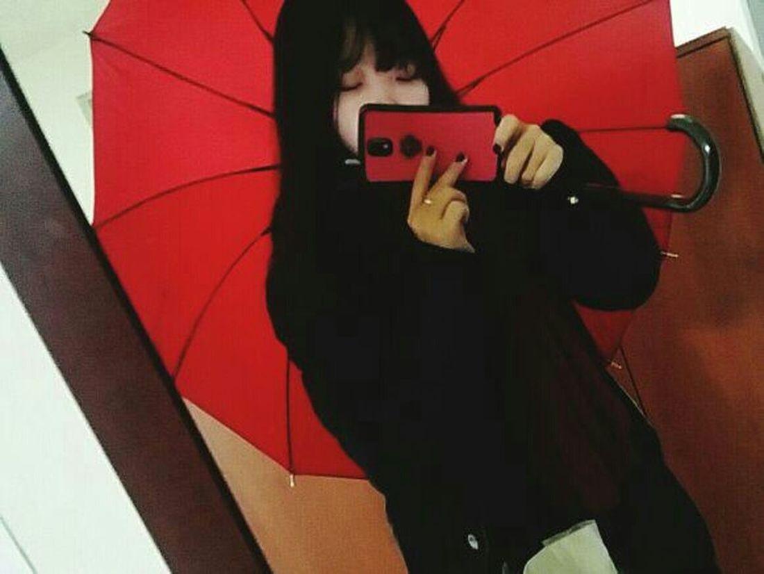Red Umbrella Mirror Mirrorselfie Red&black Winter Phonecamera December