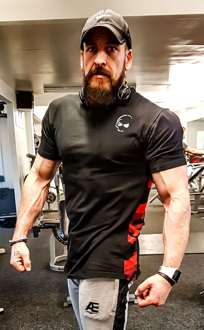 DEAR ABS: I may not see you, but I feel you brewing something serious, I can't wait to see you, I promise to show you off when you come.... Beard Samsung Galaxy S7 Edge Phone Photography Workout Healthy Lifestyle Alterego Athlete Bearded Oaf Gymwear Gymclothing Untamedfitness Fitness Lifestyle Body & Fitness