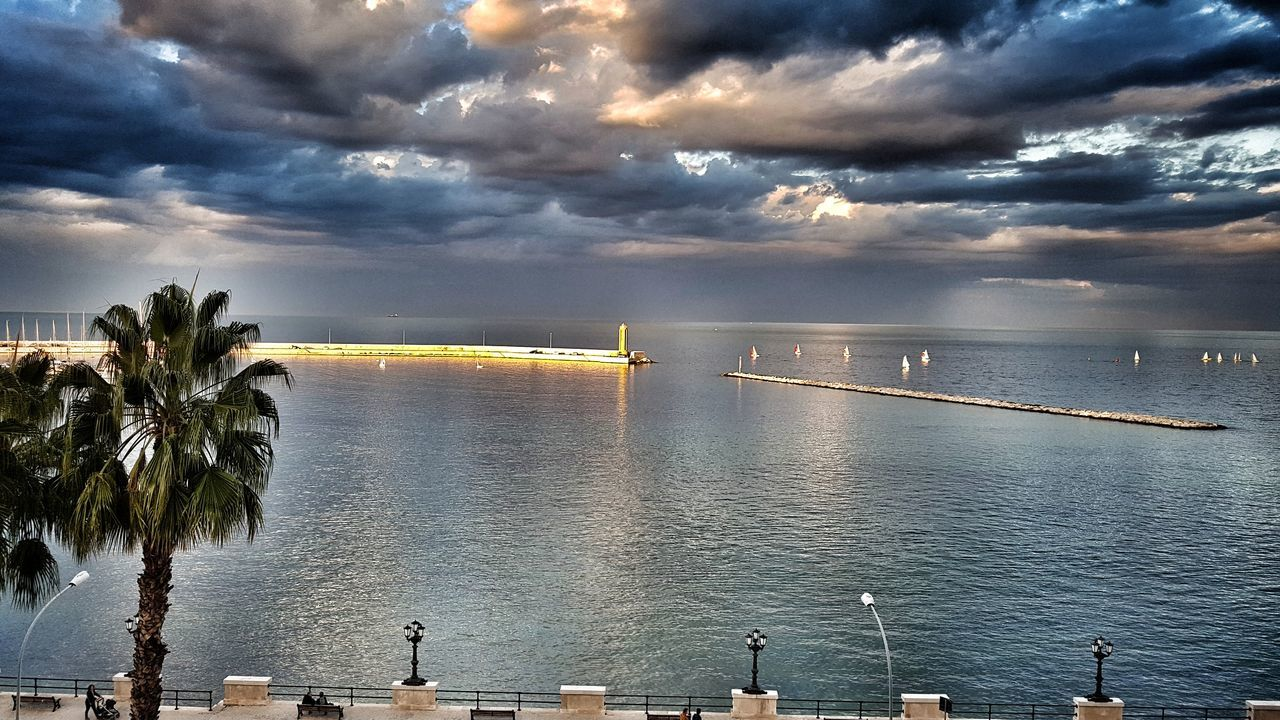 Cloud - Sky Dramatic Sky Puglia South Italy Samsung Galaxy S7 Edge Samsung Galaxy S7Edge Horizon Over Water Seascape Cloud
