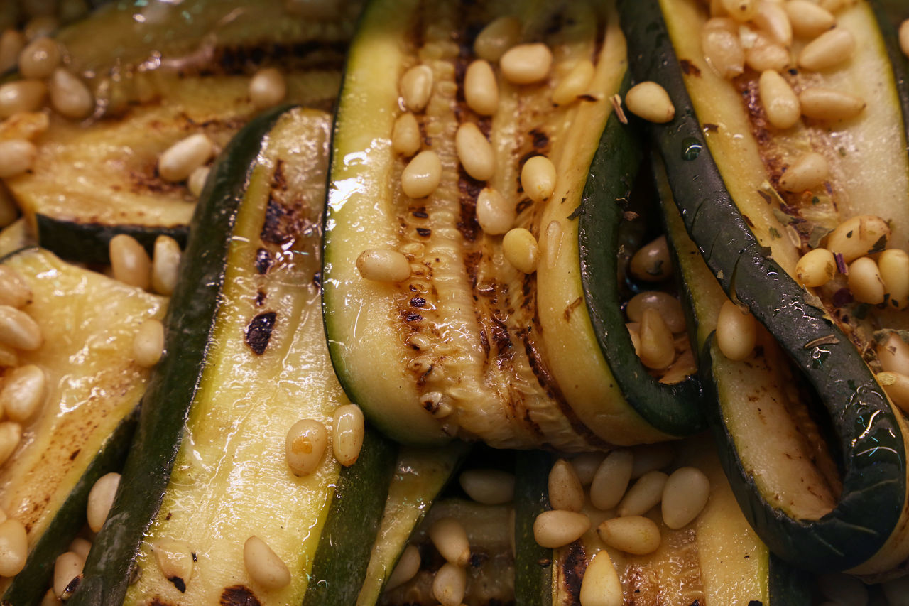 Grilled green Zucchini slices with cedar nuts Cedar Nuts Close-up Courgette Cuisine Cultures Fast Food Food Freshness Green Grilled Healthy Healthy Eating Meal Mediterranean  Nuts Pine Nuts Pinenuts Ready-to-eat Regional Side Dish Slices Taste Traditional Vegetable Zucchini