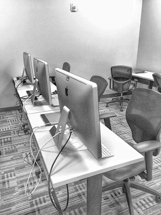 Apples in the Classroom. Apple Inc. Macs Classroom