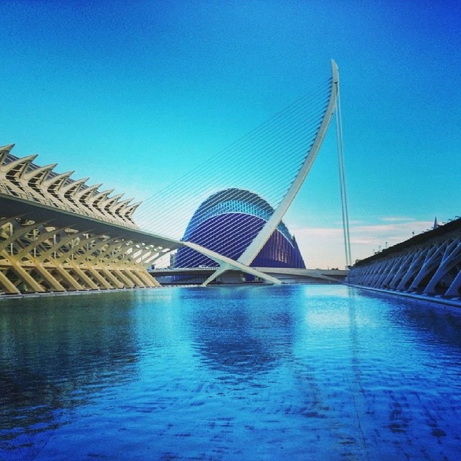 El Viernes 21 de Marzo hay un Bis del Wineuptour en València . Por Aclamacion Popular de nuevo en @restauranteaferro