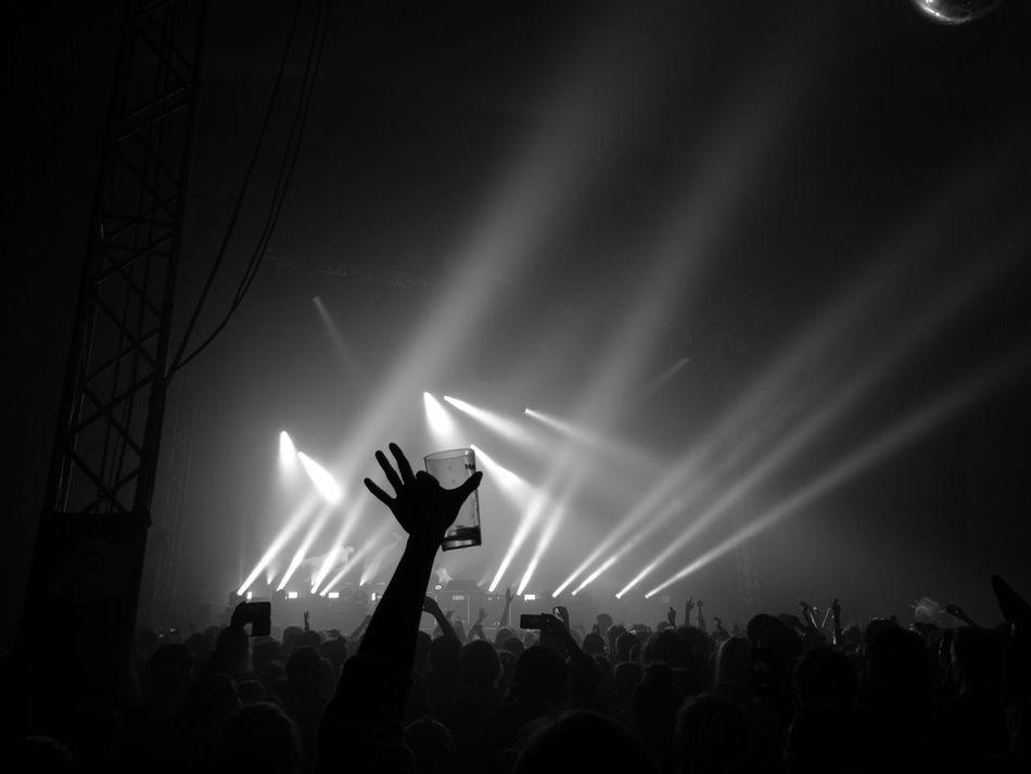 Concert Mannheim Germany Maifeld16 Maifeldderby Festival Electro Lightshow Audience Publikum Beer Monochrome B&w