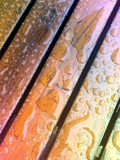 Wooden Texture Wooden Table Rain Drops Raindrops Water Water On Wood Edited My Way Learn & Shoot: Leading Lines Schräge Linien Schräg Schräg Verlaufende Holzlatten Farbiges Holz Holztextur Holztisch Hölzern Holzdesign Wooden Wooden Structure Ladyphotographerofthemonth Check This Out Heartshaped Drop Break The Mold