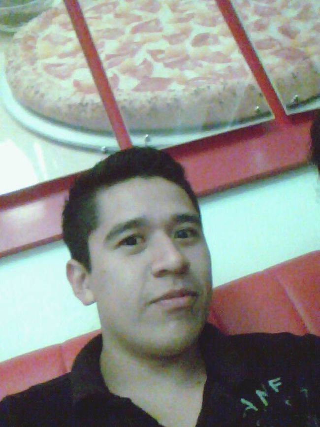 algunas personas dicen q tengo cara de loco enamorado jajajaja / some people say, I have face of crazy lover lol Like To Pizza Pizza Time Eat Eat And Eat Domino's Pizza