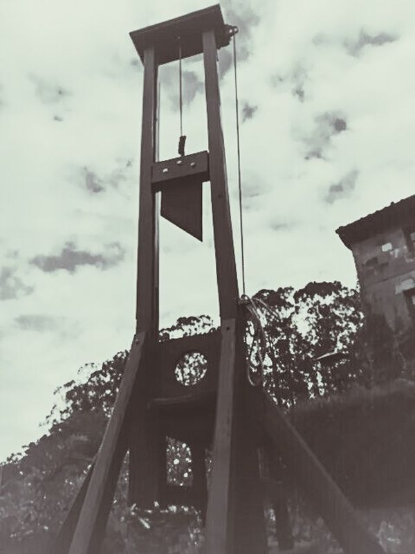 Torture Guillotine