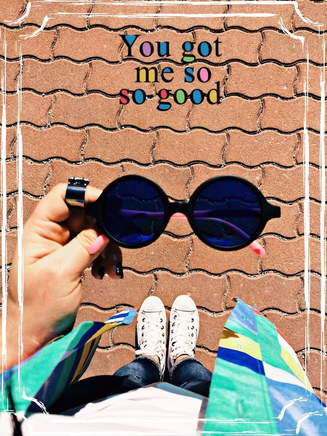 Converse Converse All Star Fashion Fashion&love&beauty Fashion Photography Fashionista Fashionblogger Fashionphotography Fashionable Sun Sunglasses Check This Out That's Me Hanging Out Hello World Taking Photos Enjoying Life Enjoying The Sun Enjoy Enjoying The View Relaxing Hello World Helloworld Hello ThatsMe
