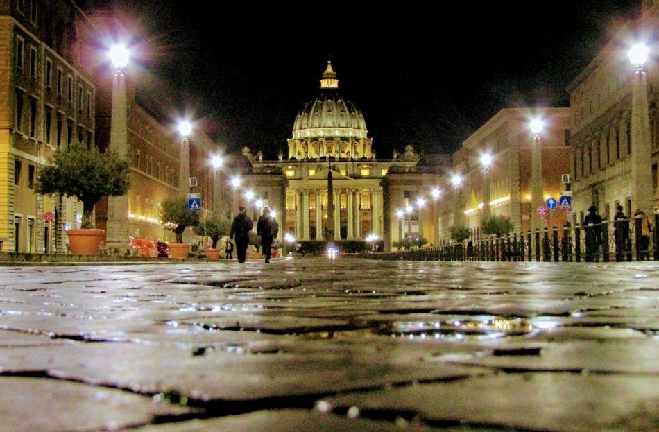 Night Illuminated Architecture Saint Peter's Basilica San Pietro In Vaticano VaticanCity Rome, Italy Rome By Night Roma Vatican 🇻🇦